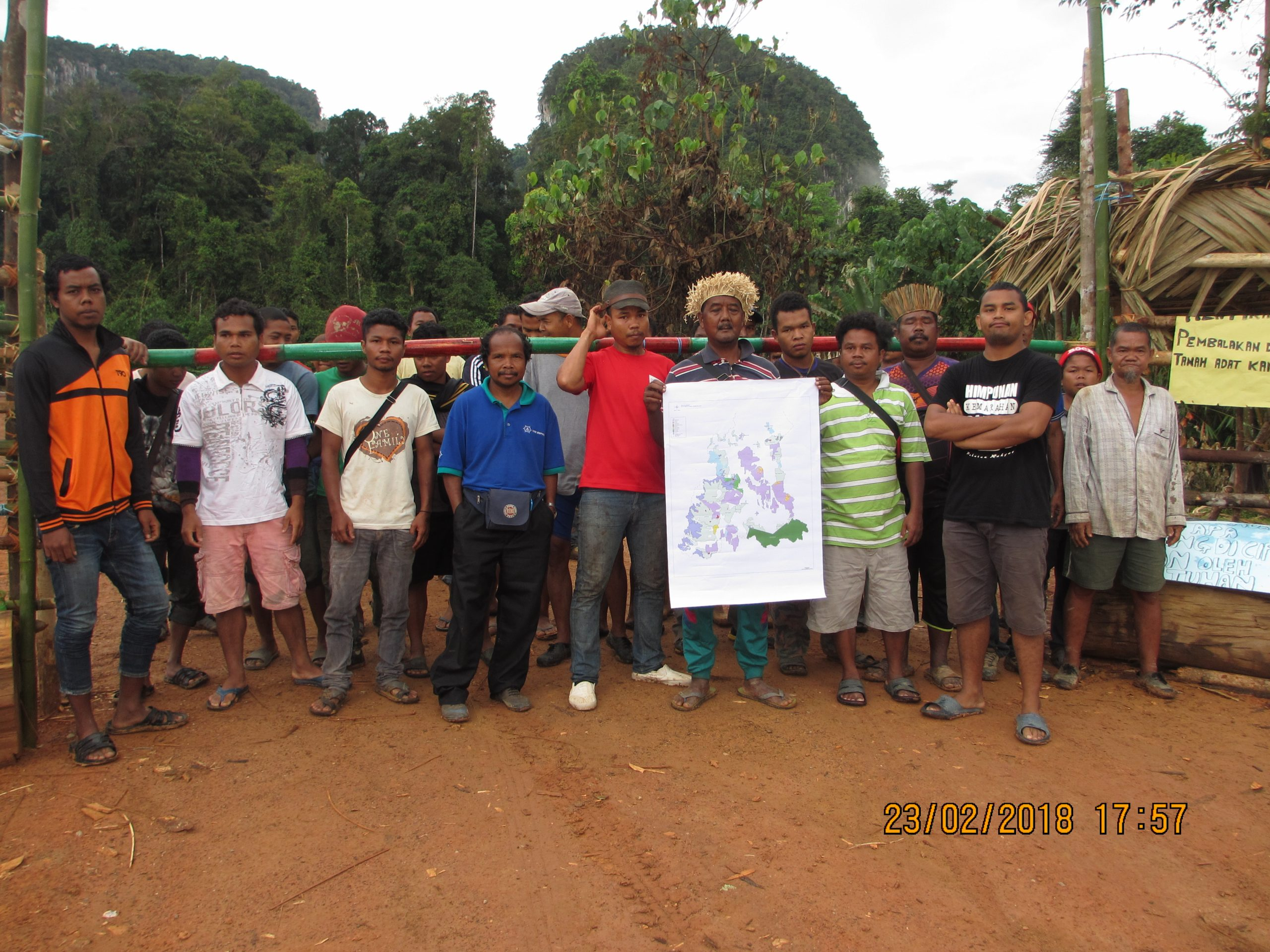 Blockade in Cawas, Gua Musang | SAM