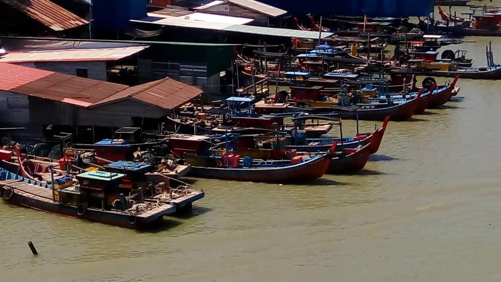 Pukat kenka 2 bot di Kuala Kurau, Perak | SAM
