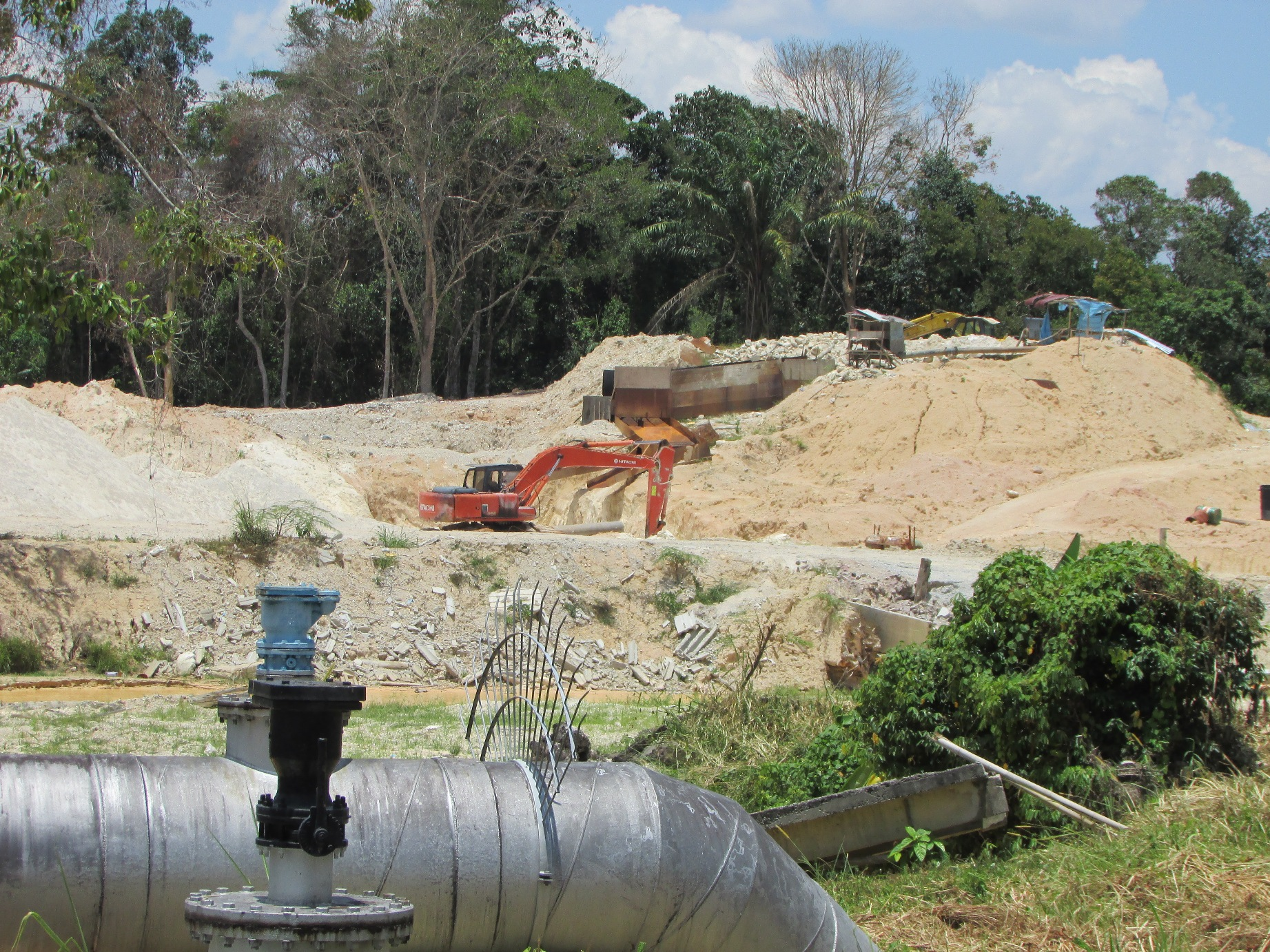 Sand mining operations on the Batang Benar river | SAM