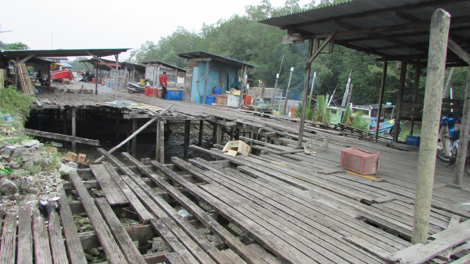 The dilapidated jetty in Chukai that has not been repaired to date | SAM