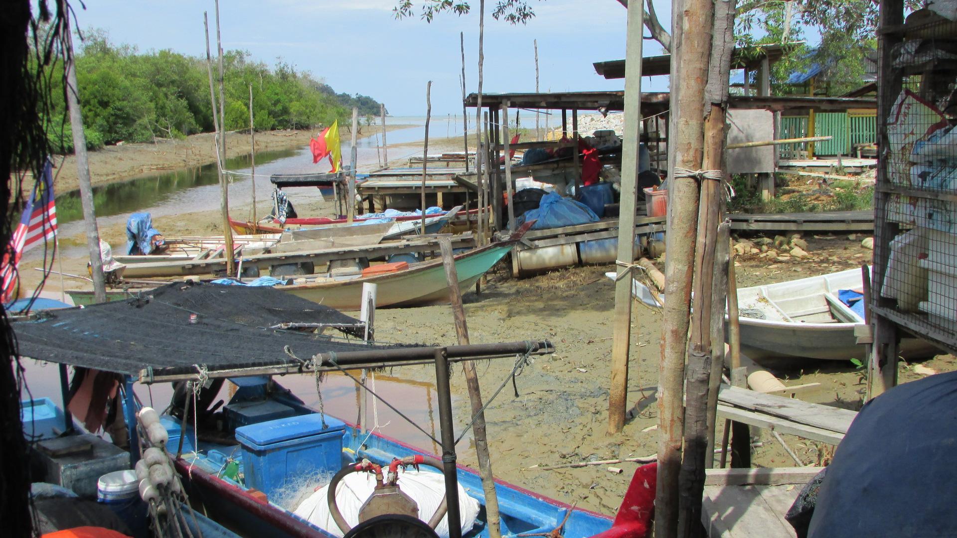 Fishermen jetty in Kampung Sungai Batu, Pantai Remis, Perak | SAM